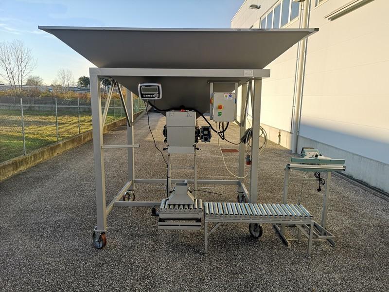 BAGGING MACHINE FOR OPEN MOUTH BAGS (Produttività 3-4 ton/hour)